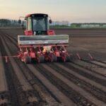 丸京の北海道契約農場で今年も小豆栽培が始まりました